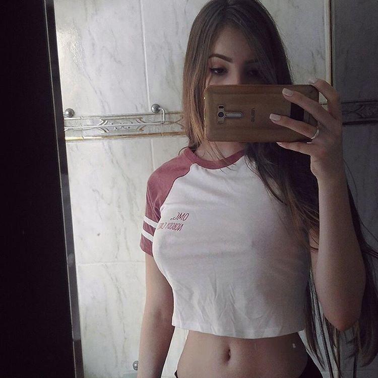 Jhulia Pimentel – Thicc Brazilian Babe