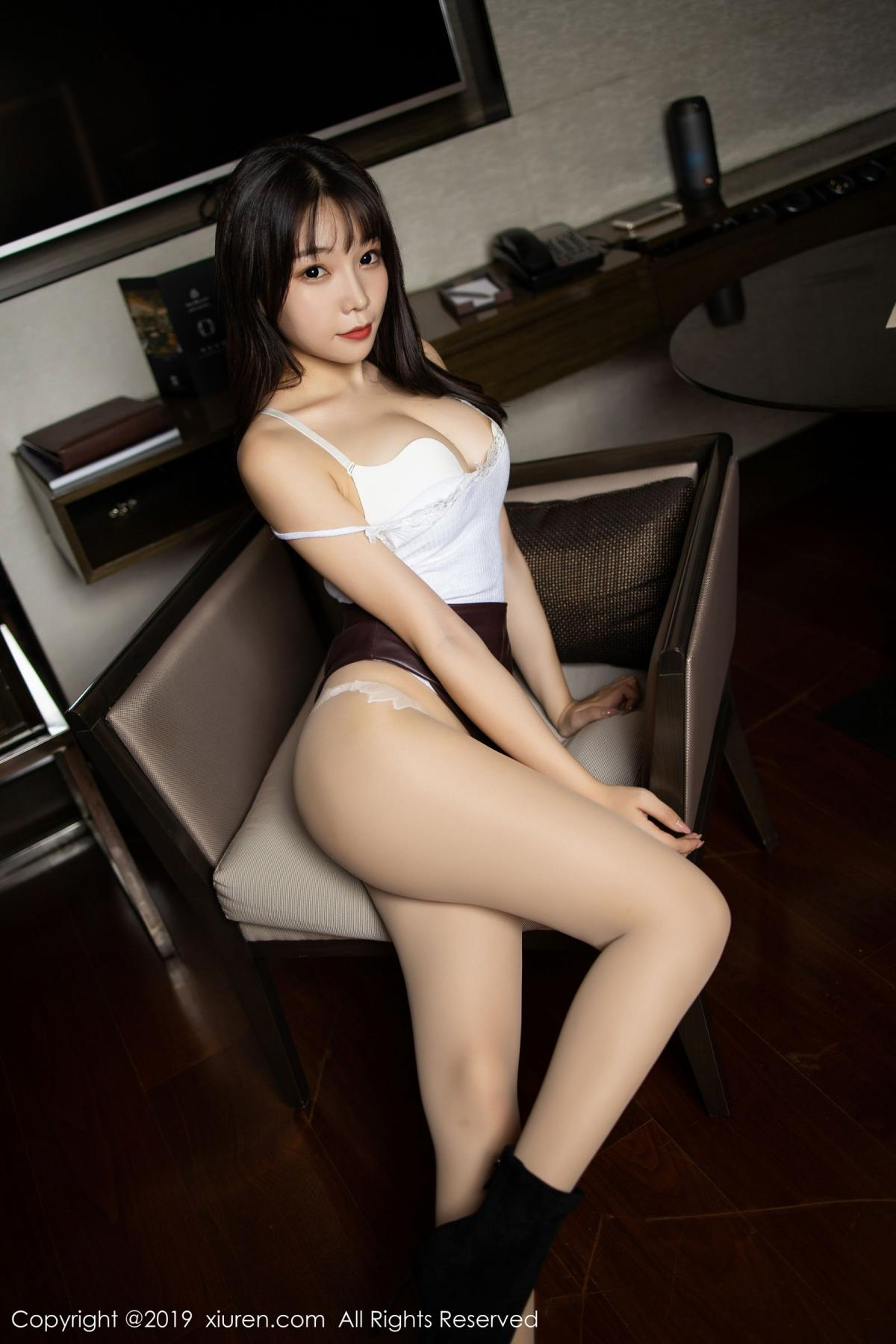 [XiuRen] Vol.1827 Zhi Zhi Booty