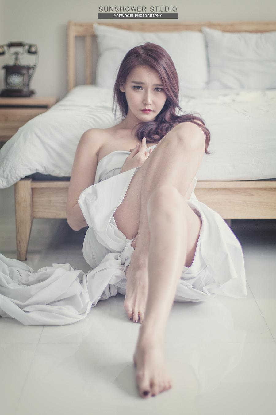 Lee Hyo Young Beautiful Legs Picture and Photo