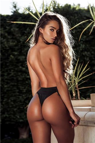 Roy A Sommer Big Booty Sexy Bikini Picture and Photo
