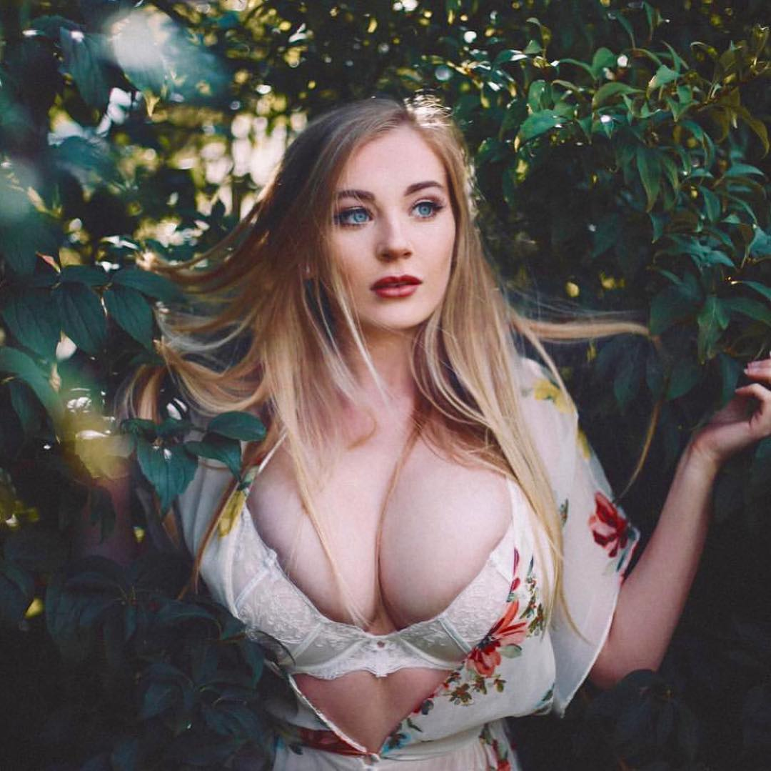 Bethany Lily April Huge Tits and Boobs Hot Pictures and Photos