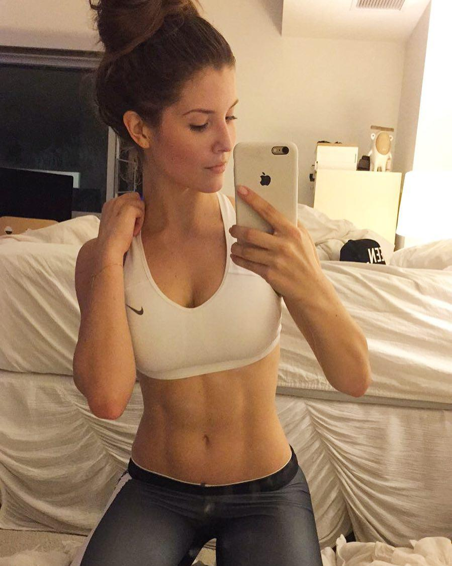 Amanda Cerny Beautiful Legs Muscles Sport Picture and Photo