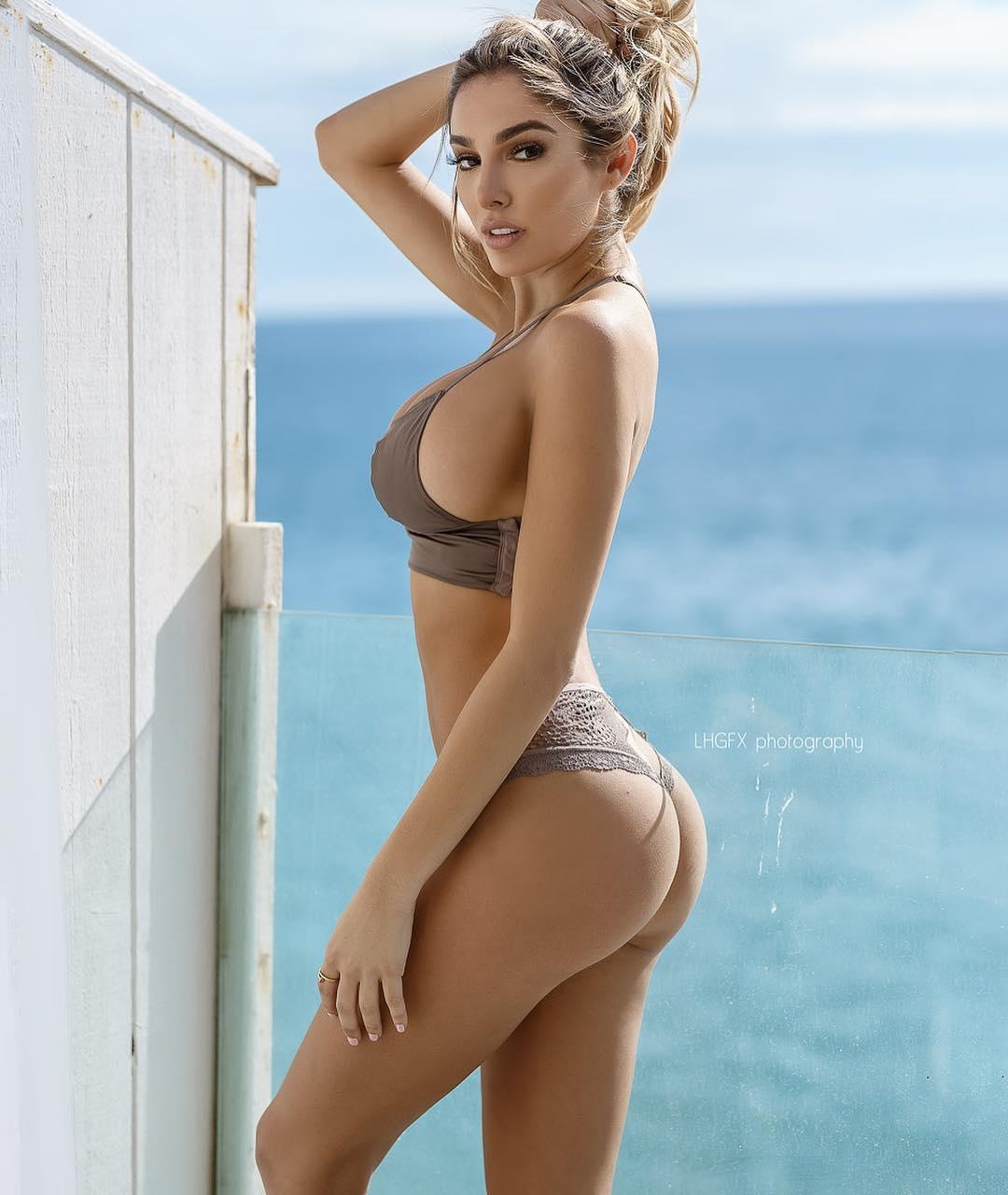 Lyna Perez Big Boobs Sexy Picture and Photo