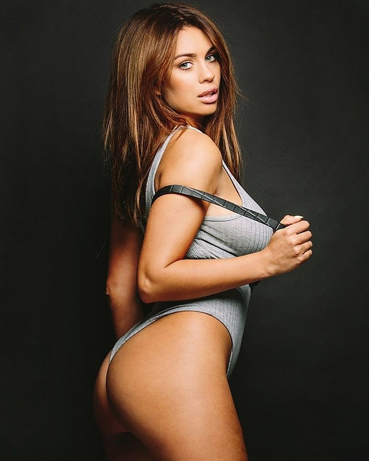Holly Jade Peers Big Boobs Wild Sexy Picture and Photo
