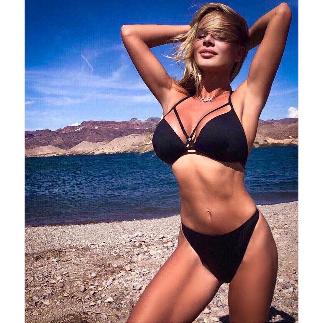 Monika Ordowska Mature Bikini Picture and Photo