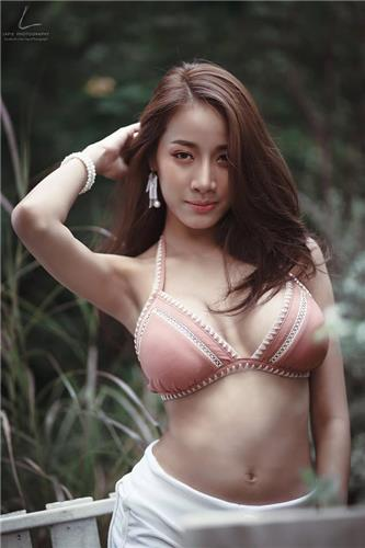 Pichana Yoosuk Sexy Hot Bikini Bra Picture and Photo