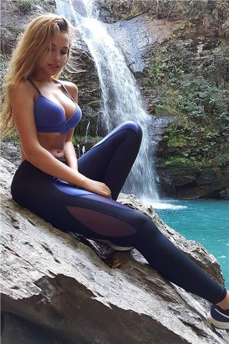 Veronica Bielik Bikini Lovely Picture and Photo